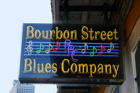 Louisiana_Bourbon_Street_19