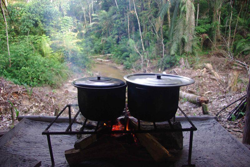 Vue de la cuisine quand la rivière est basse...