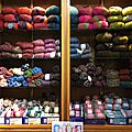 Chic il fait froid ! et nous soldons une belle gamme de fils à tricoter !