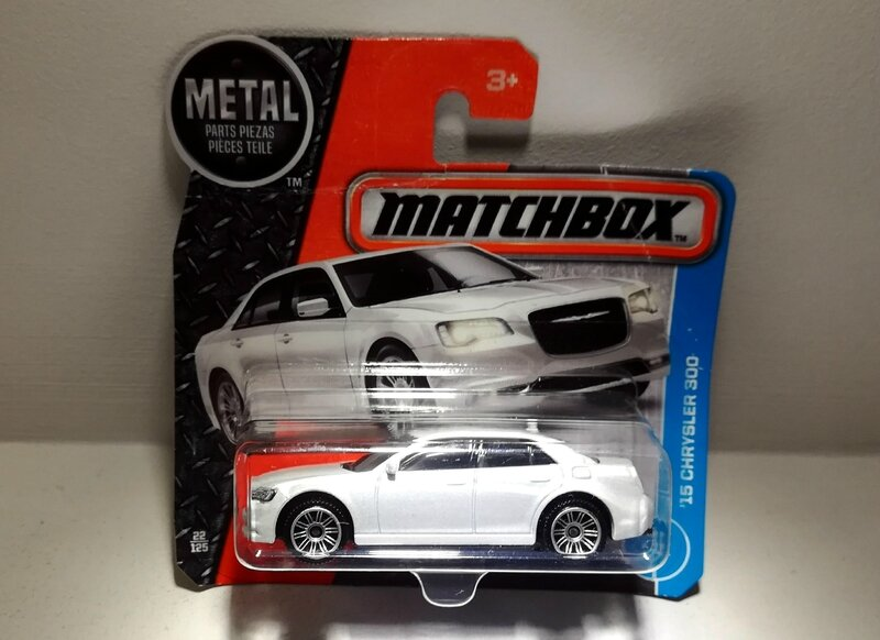 Chrysler 300 de 2015 (Matchbox)