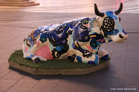 bordeaux_cow_parade_marina_jofo