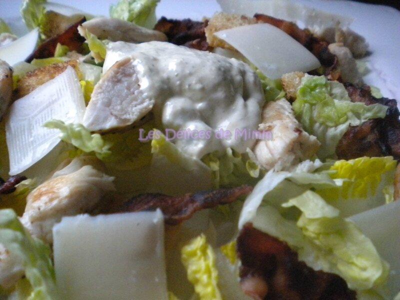 Salade César et sa sauce vinaigrette