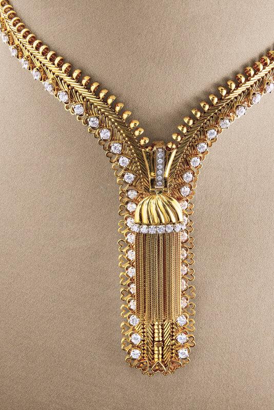 2019_GNV_17436_0175_007(diamond_zip_necklace_van_cleef_arpels_d6229286)