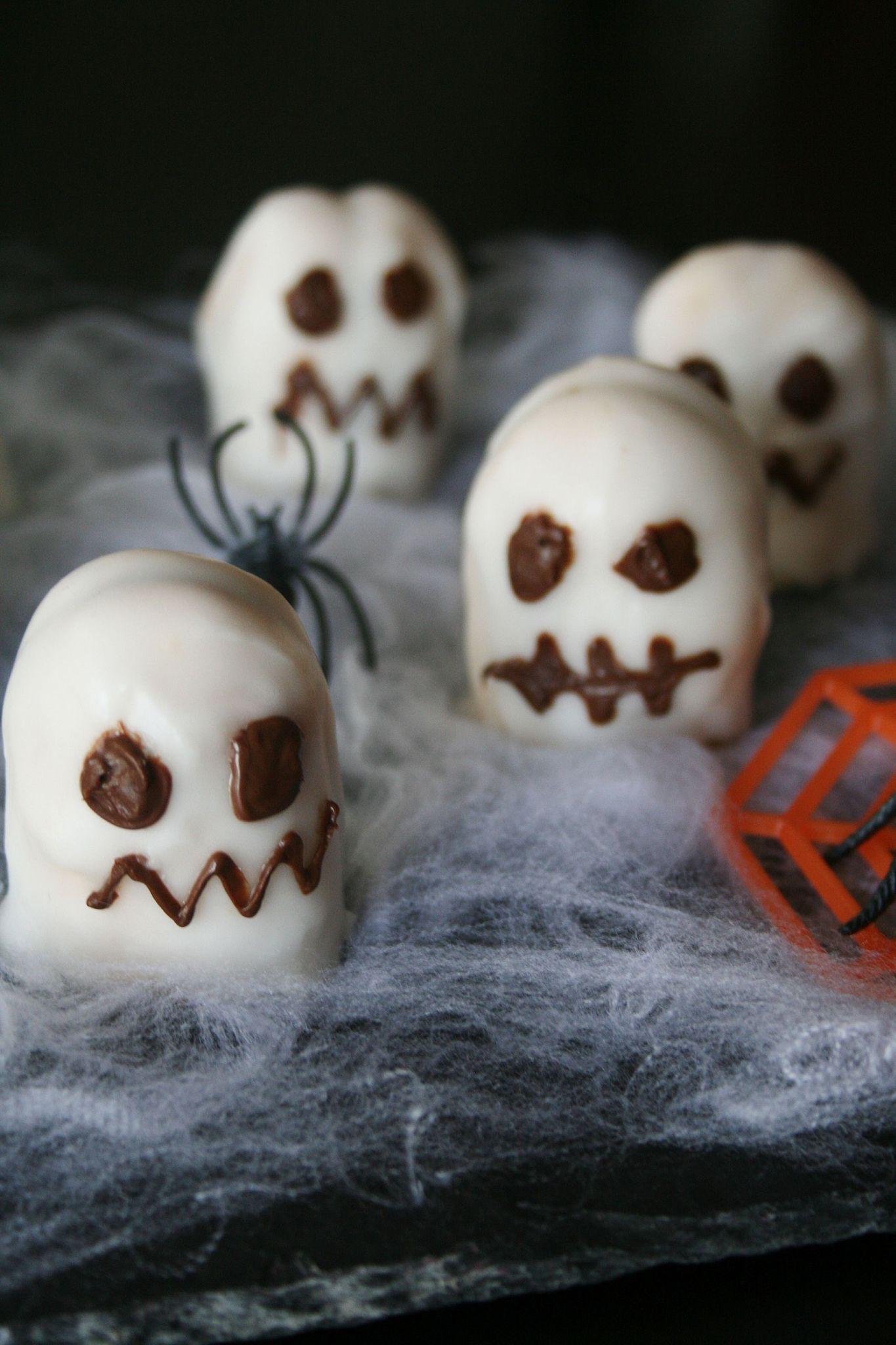 Petits Gâteaux Fantômes Pour Halloween Recette Avec étapes
