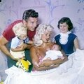 jayne_pink_palace-inside-childroom-with_family-1-1