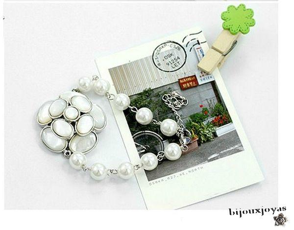 Bracelet Fleur Eternelle Perles Blanches et Nacrées 8 mm