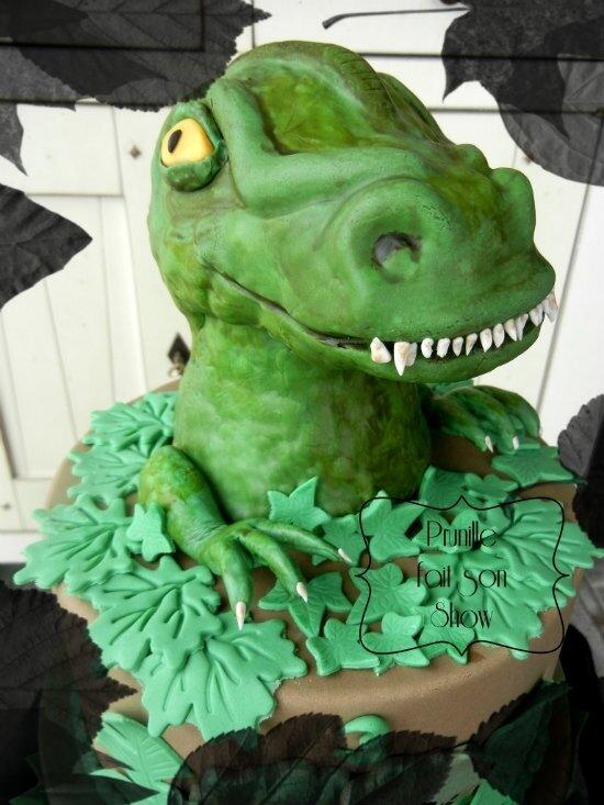 gateau dinosaure prunille fait son show 5