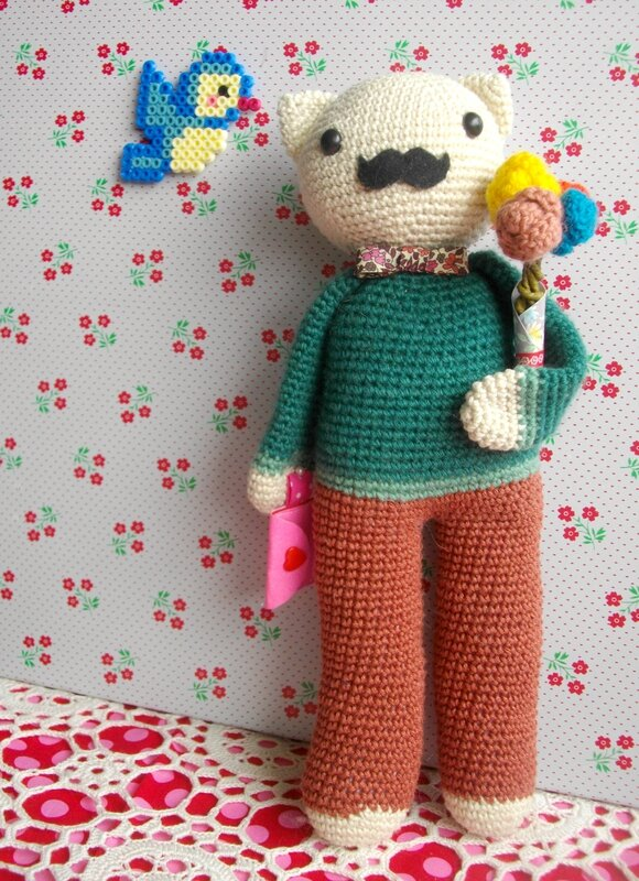 tendre-crochet-wolfgang-chat-abracadacraft-tournicote