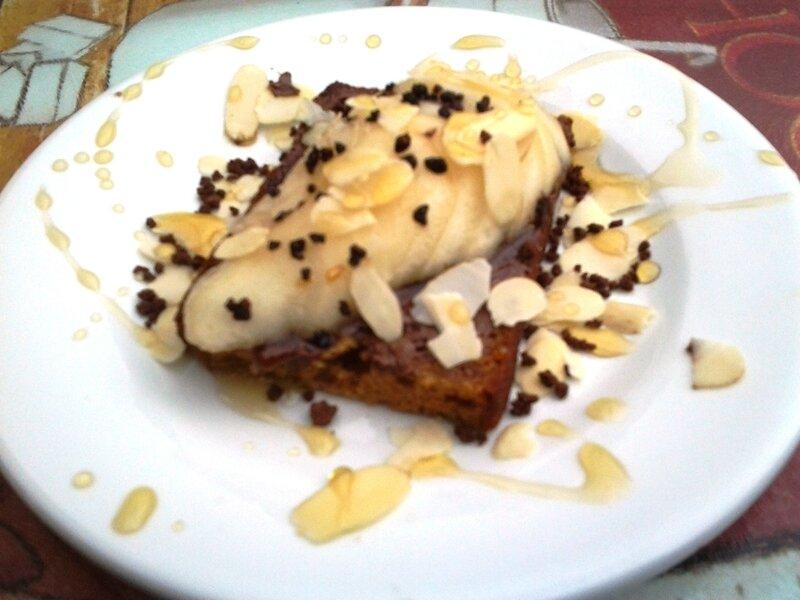 Tartine pain d'épice chocolat-poire