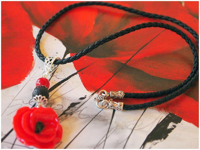 collier coquelicot noir et rouge pam, corail et lave lacaudry creation