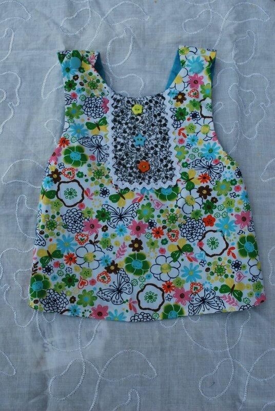 lingettes, serviettes bandeaux enfants robes tabliers 012