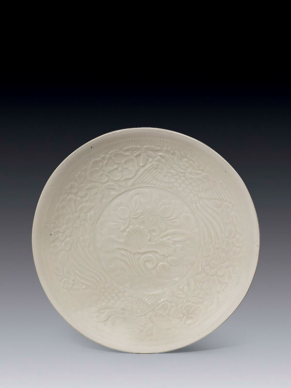 Ding_type_porcelain_moulded_shallow_bowl__Southern_Song_dynasty__12th_13th_century