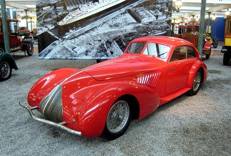 Alfa_Romeo_8C_2