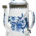 A blue and white kangxi porcelain pot for the export market, china, 17th century, with ottoman mounts