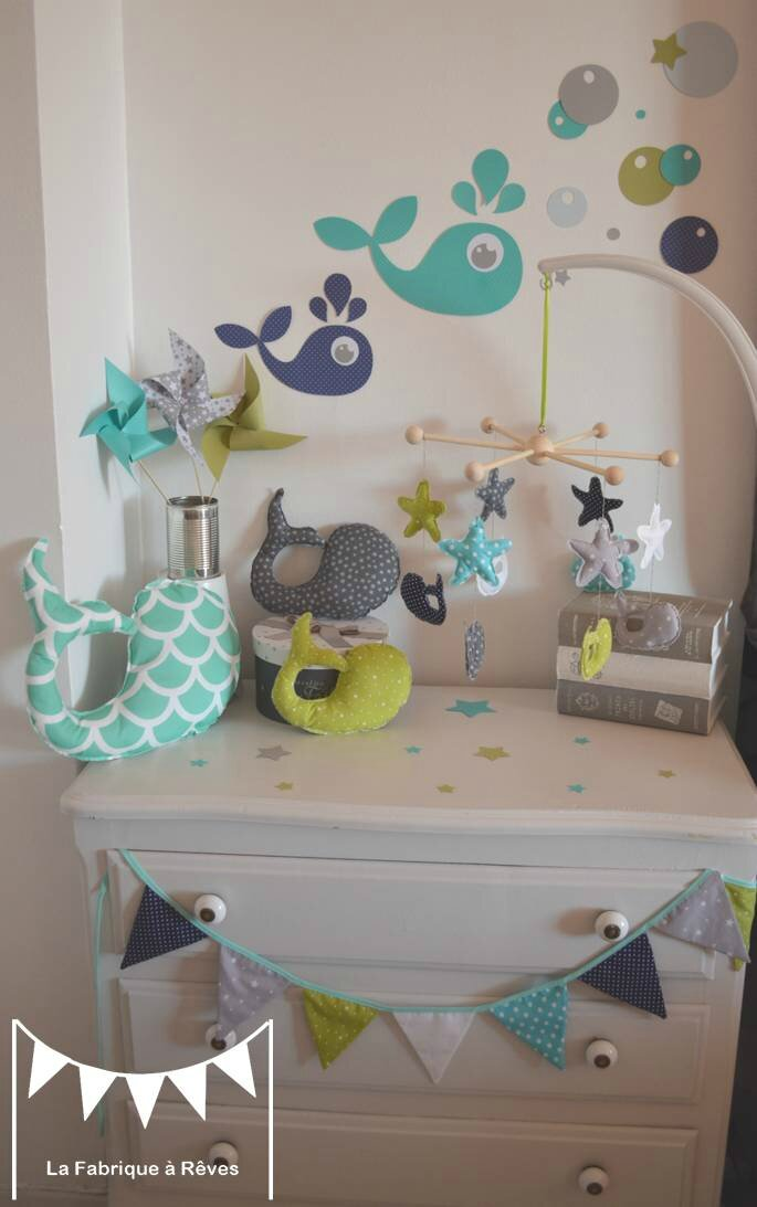 d coration chambre enfant b b gar on vert anis turquoise blanc gris bleu marine photo de. Black Bedroom Furniture Sets. Home Design Ideas