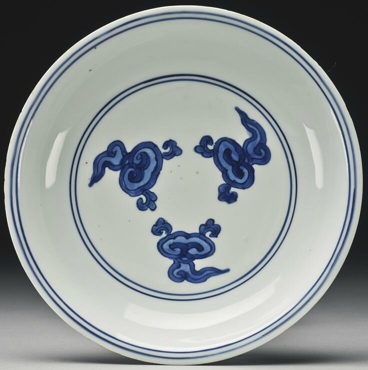 A blue and white 'Lingzhi' dish, Wanli mark and period