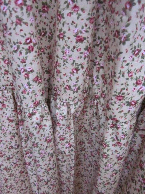 Robe CAROLINE en coton ocre beige à fleurs rose (1)