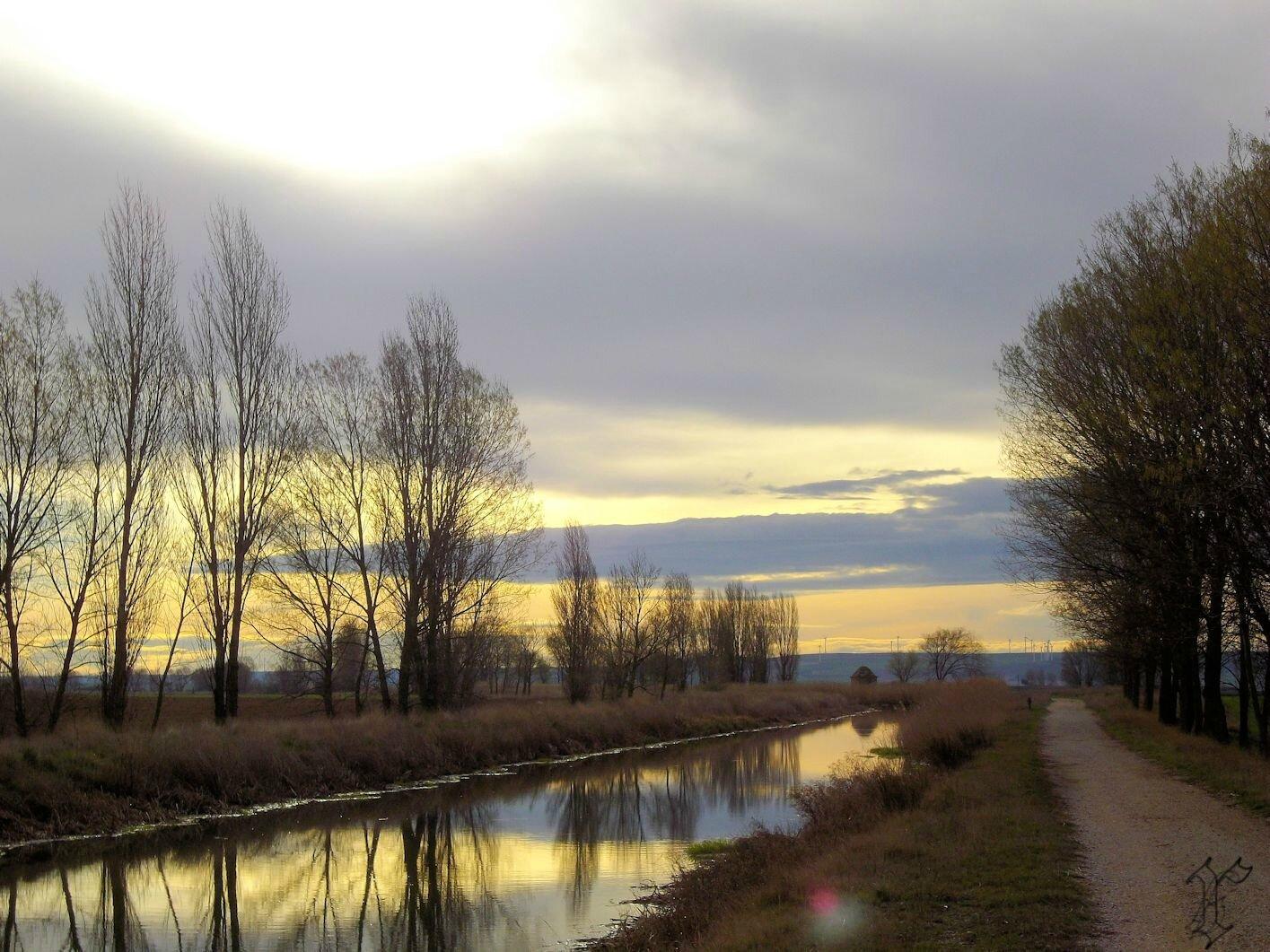 17_Chemin avant FROMISTA_canal de Castille