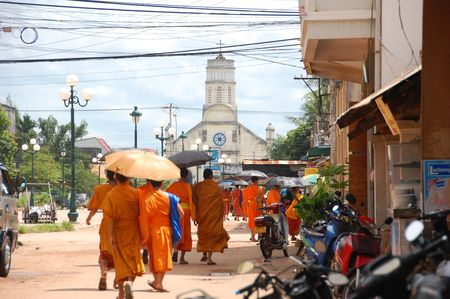 moines_dans_la_cite_du_paradis