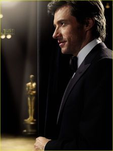 Oscars_09_performance_hugh_jackman_4500951_914_1222