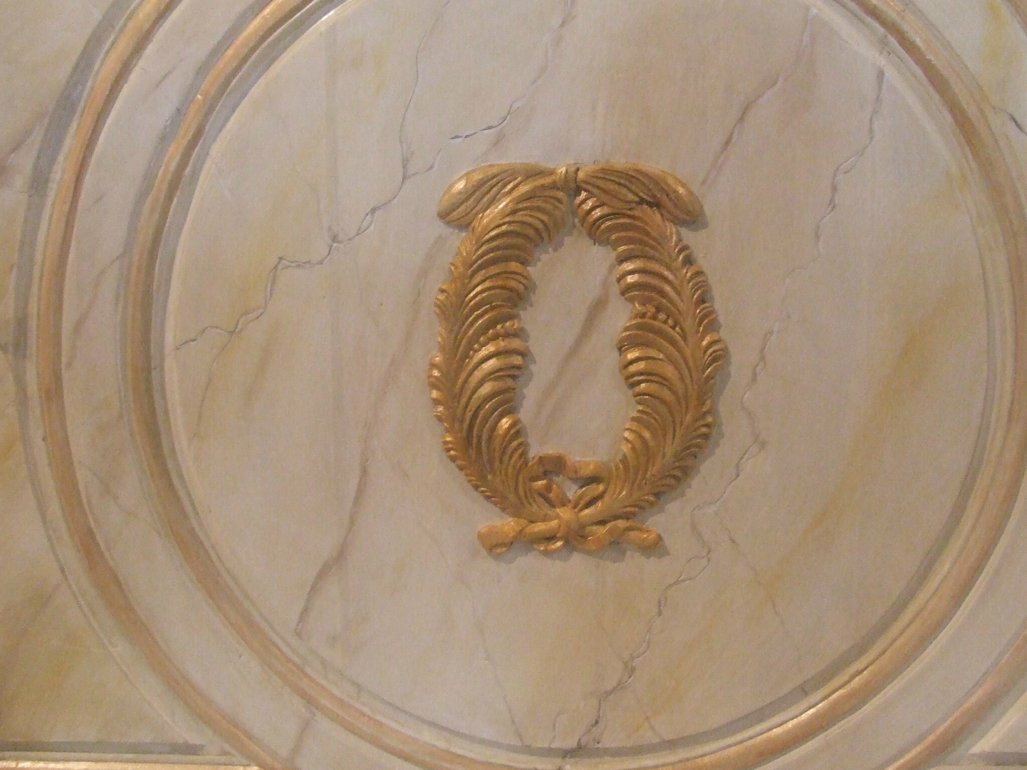 Faux marbre sur autel