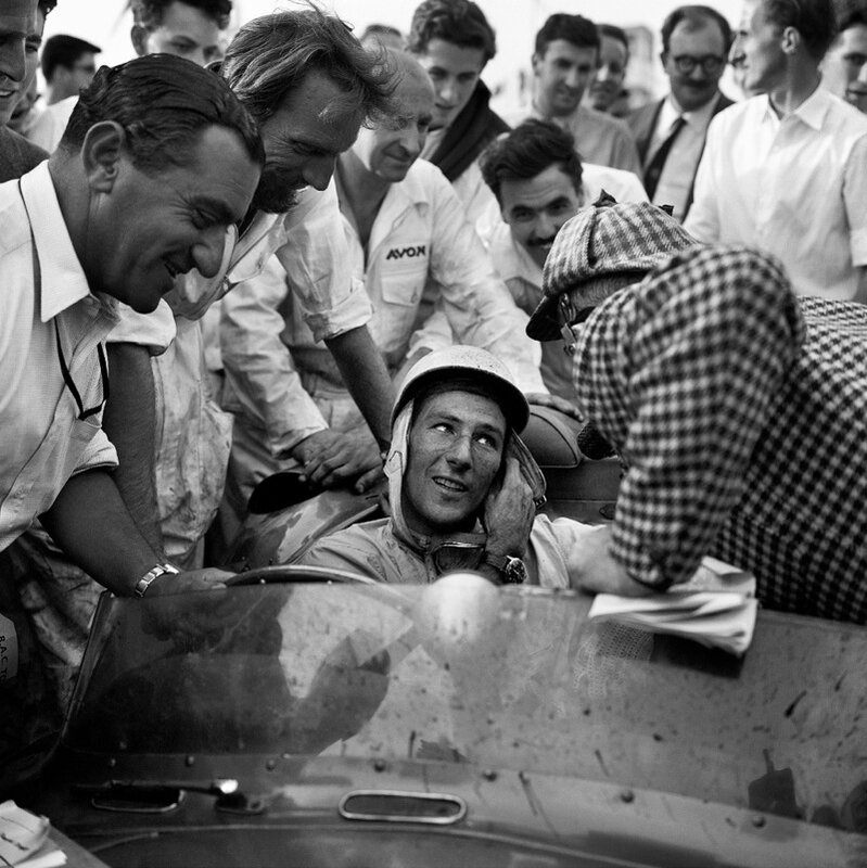 STIRLING-MOSS-ASTON-MARTIN-GOODWOOD-1957-1-c32377