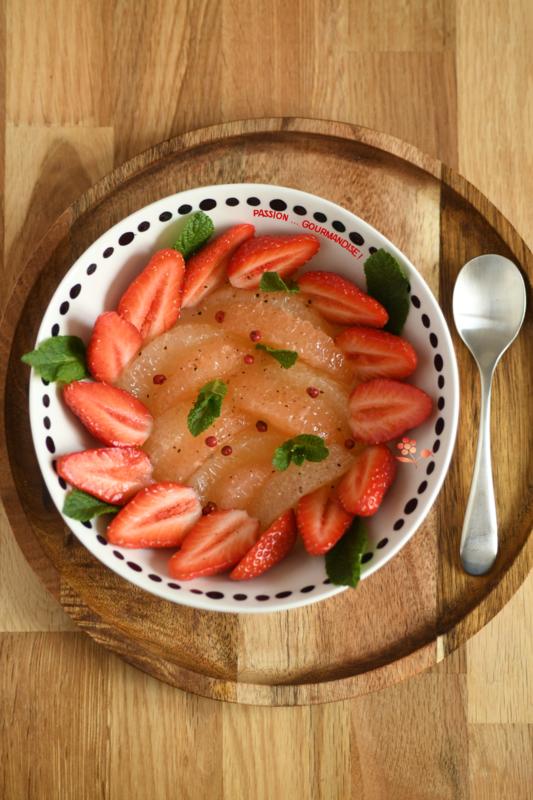 Salade de fruits pamplemousse & fraises_1