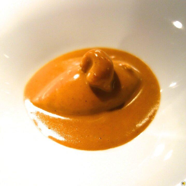 Mini-quenelles de brochet à la Lyonnaise, sauce Nantua