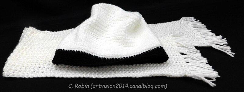 Bonnet de Victoria et foulard assorti