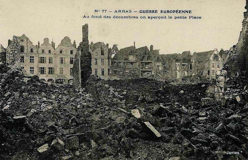 Arras décombres peite place