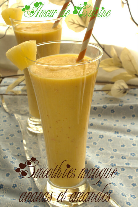 smoothies-mangue-ananas-et-amandes