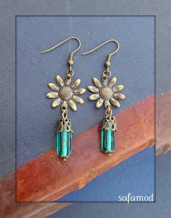 Boucles d'oreilles fleur perle rectangulaire en verre