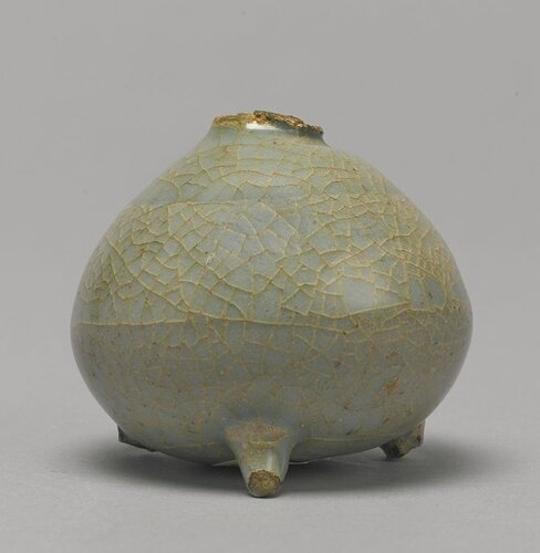A 'Guan'-type 'Longquan' celadon waterpot, Song dynasty