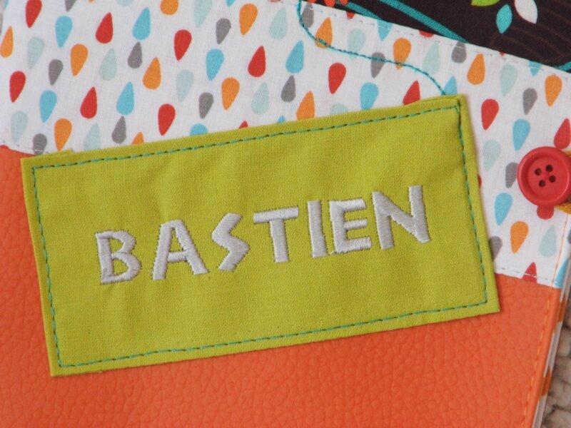 Protege carnet santé Bastien (2)