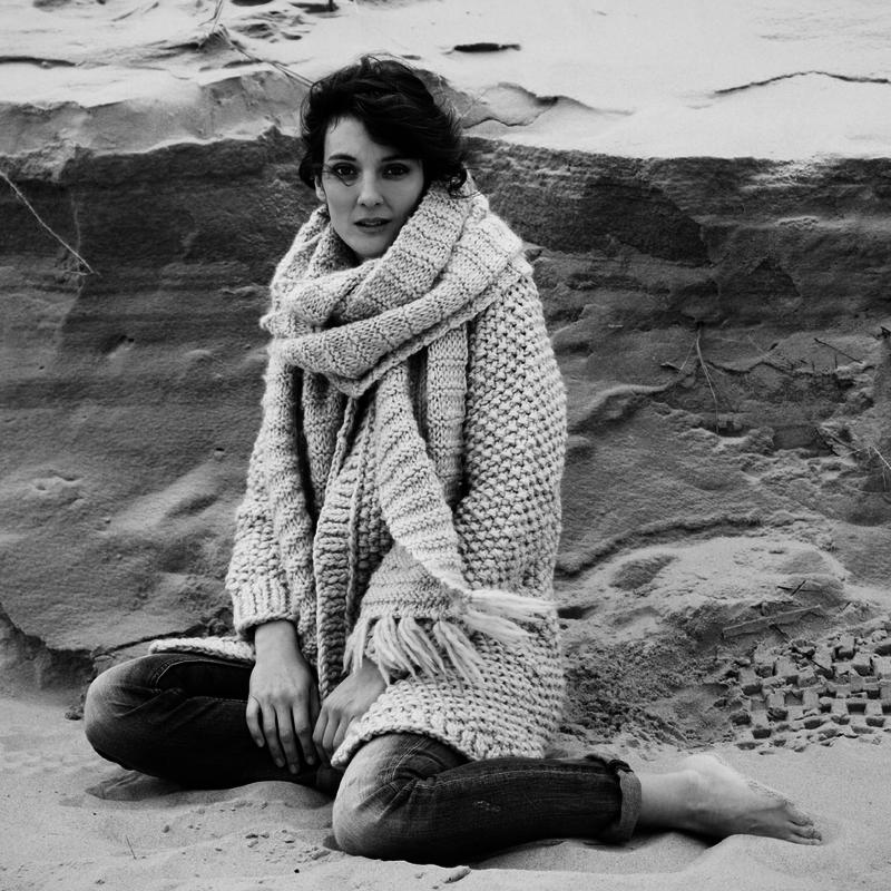 cardigan-uma-scarf-lazy-1