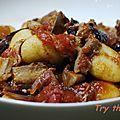 Gnocchis, sauce tomate au poulet et radicchio