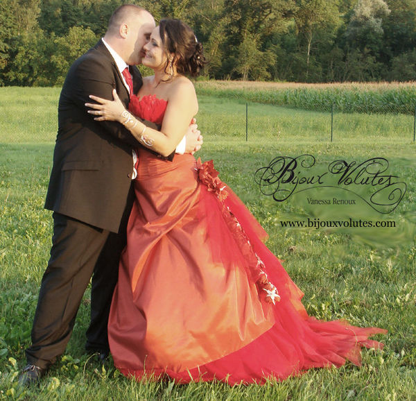 may_robe_rouge_mariage