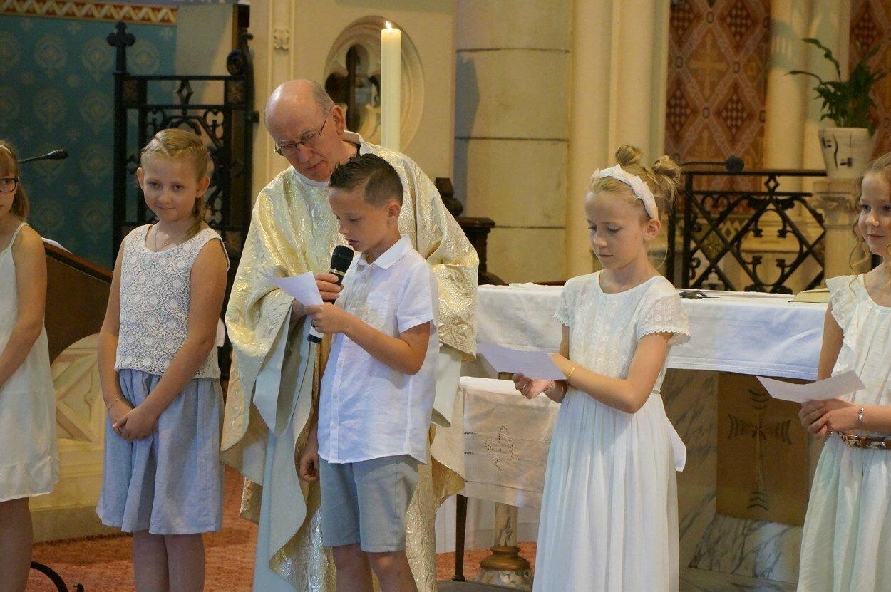2017-05-28-entrées eucharistie-VIEUX-BERQUIN (36)
