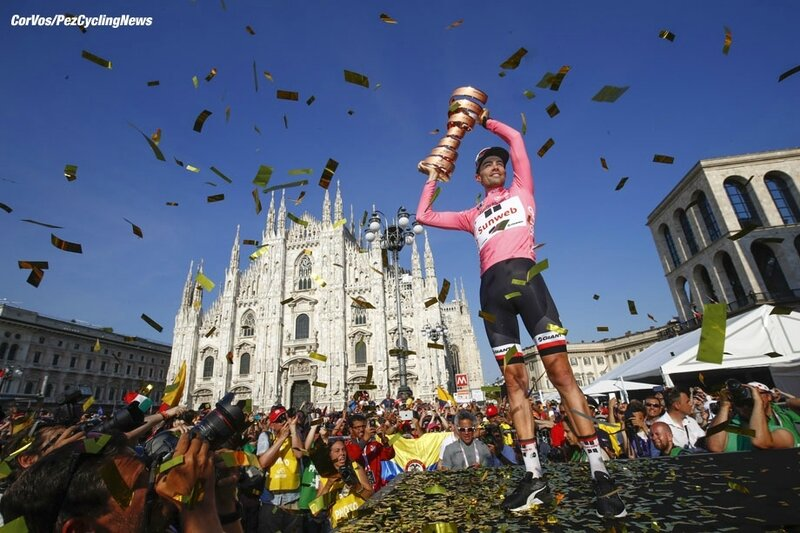 giro17st21-dumoulin-podium-trophy-920