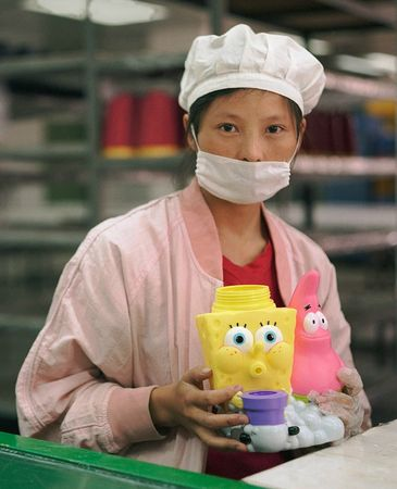 03-toy-factory-portraits