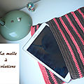 Housse de tablette au crochet