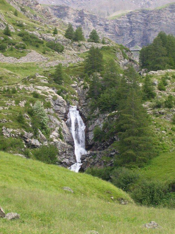 cascade sur le Drac noir (Saut du Layre/Haute-Alpes)