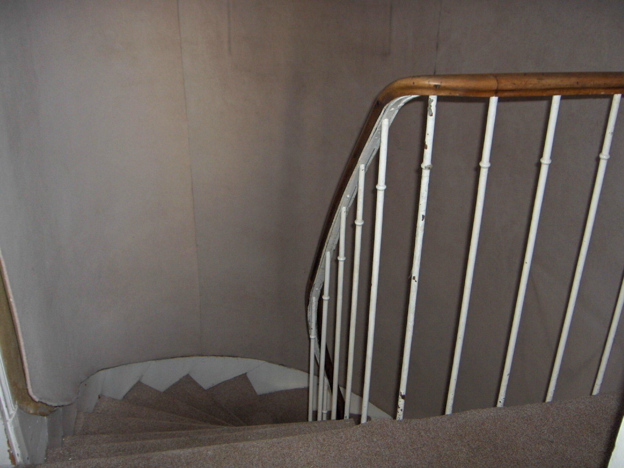 Quelle Couleur Pour Une Cage D Escalier avant- pendant- après de la cage d'escalier  - la maison
