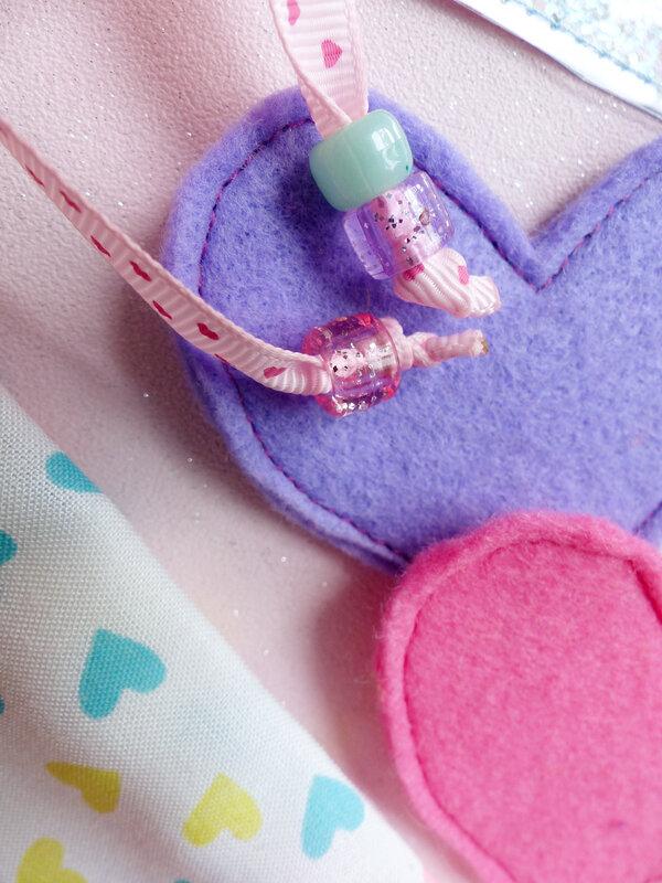 07-sac-bisous-paillettes-coeur-feutrine-sequins-tissu-bouche