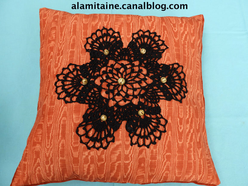 coussin Catherine orange 11