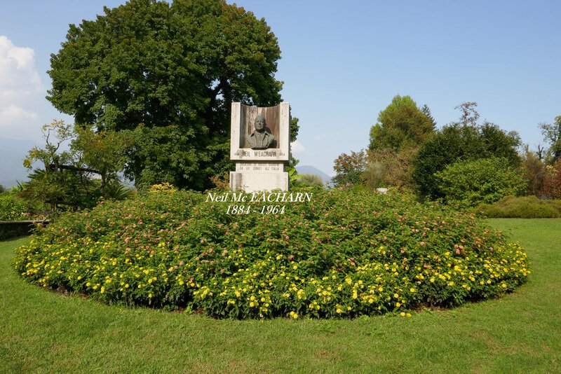 statue neil Mc EACHARN