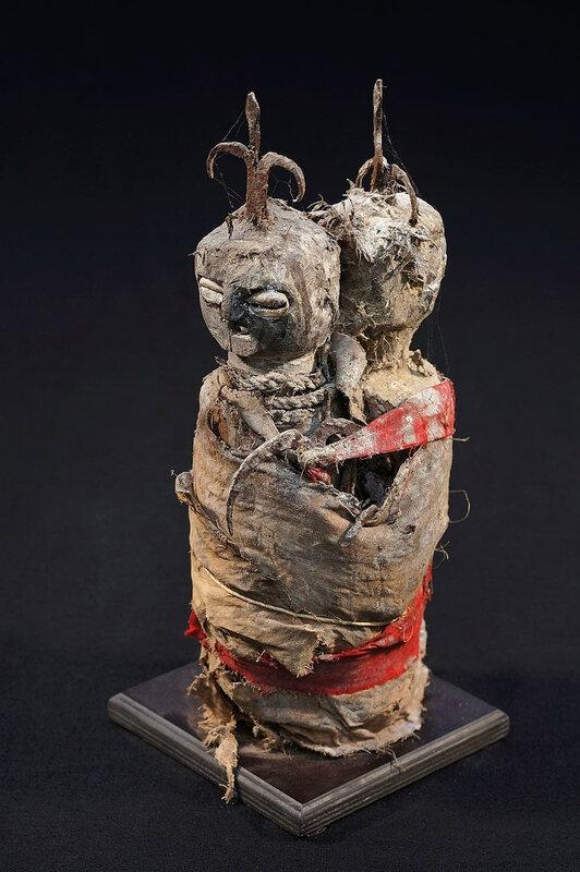 Rituel avec les statuettes pour ramener l'affection du marabout FABIYI