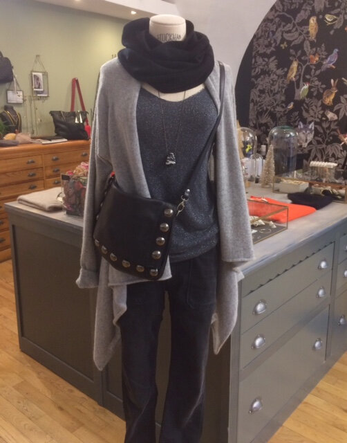 gilet Absolut Cashmere sac Rehard prêt à porter féminin Boutique Avant Après 8 rue de la Croix d'Or Montpellier