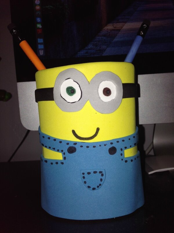 minions foam pencil holde