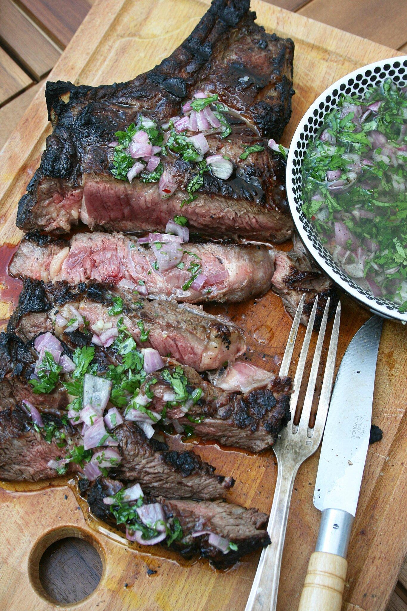 Côte de bœuf grillée aux 5 poivres